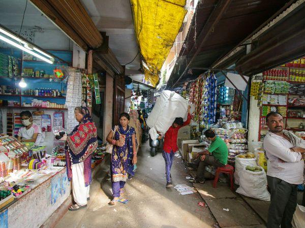 भोपाल के कुमार मोहल्ला मंगलवारा स्थित 50 घर कि इस गली में सबसे ज्यादा करोना के मरीज पाए गए थे, लेकिन आज यहां एक भी मरीज नहीं है। फोटो- शान बहादुर