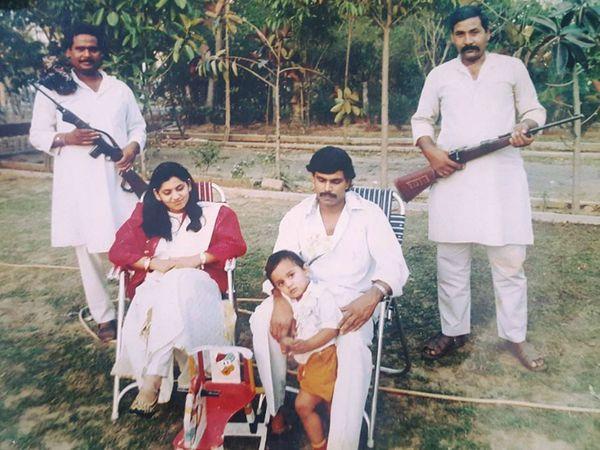 आनंद मोहन की गिनती बिहार के बाहुबली नेताओं में की जाती है। आनंद मोहन 1994 में डीएम की हत्या के मामले में सजा काट रहे हैं। - Dainik Bhaskar