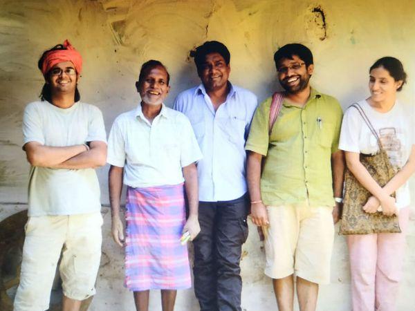 सुमिरन और उनके दो और साथी हिमांशु और शिवांगी ने मिलकर 2014 में हैंडमेड प्रोडक्ट के लिए ऑनलाइन स्टोर शुरू किया। - Dainik Bhaskar
