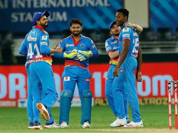 दिल्ली के कगिसो रबाडा ने आरसीबी के कप्तान विराट कोहली समेत 4 बल्लेबाजों को आउट किया। - Dainik Bhaskar