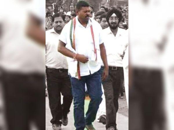 राजनीतिक कार्यक्रम में अमृत (फाइल फोटो) - Dainik Bhaskar