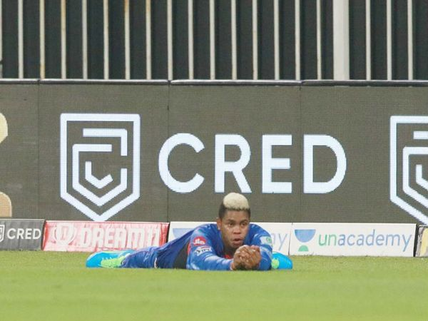 हेटमायर के इस शानदार कैच के कारण श्रेयस गोपाल को 2 रन पर ही पवेलियन लौटना पड़ा।