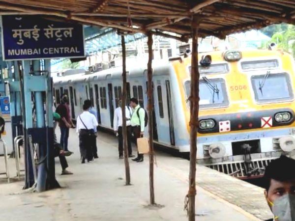 ट्रेनें रुकने के कारण कई लोग परेशान हुए।