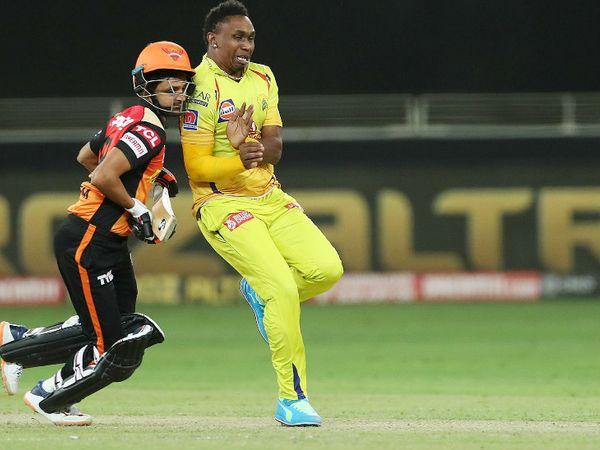 मैच के दौरान रन लेते समय शाहबाज नदीम चेन्नई के गेंदबाज ड्वेन ब्रावो से टकरा गए। ब्रावो ने मैच में 25 रन देकर 2 विकेट लिए।