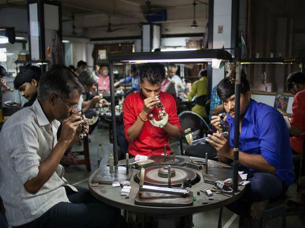 इस साल के पहले छह महीने में निर्यात 5.5 बिलियन डॉलर का रहा है।  (फोटो -ब्लूमबर्ग) - Money Bhaskar