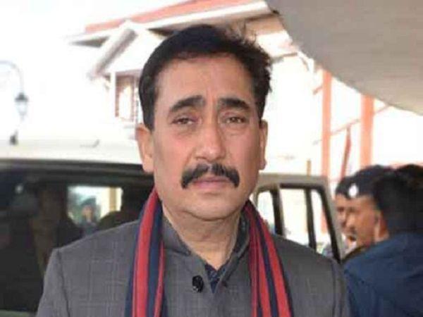 मुख्यमंत्री जयराम ठाकुर ने भी अपने सोशल मीडिया पर इसकी जानकारी देते हुए परमार के स्वास्थ्य पर चिंता जताई है और उनके जल्द स्वस्थ होने की कामना की है। - Dainik Bhaskar