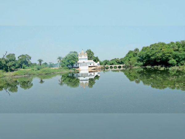 फोटो श्रीरामलला मंदिर असनई ताल की है - Dainik Bhaskar