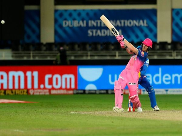राजस्थान रॉयल्स ने बुधवार को दिल्ली के खिलाफ प्ले ऑफ में 8.3 की रन रेट से 2 विकेट के नुकसान पर 50 रन बनाए। बेन स्टोक्स ने 35 गेंद पर 41 रन बनाए। - Dainik Bhaskar