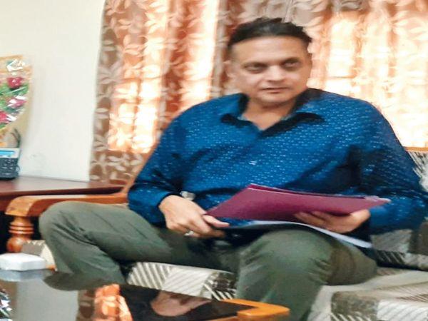 डाॅ. गाेपाल सिंघल (फाइल फोटो) - Dainik Bhaskar