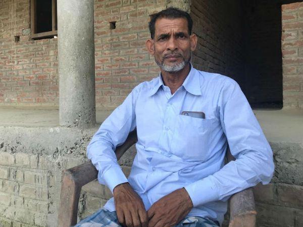 स्थानीय सामाजिक कार्यकर्ता अबु हिलाल का कहना है कि महिलाओं के अविवाहित रह जाने की यह समस्या तब से मजबूत हुई जब से लोग दहेज के लालच में फंसना शुरू हुए।