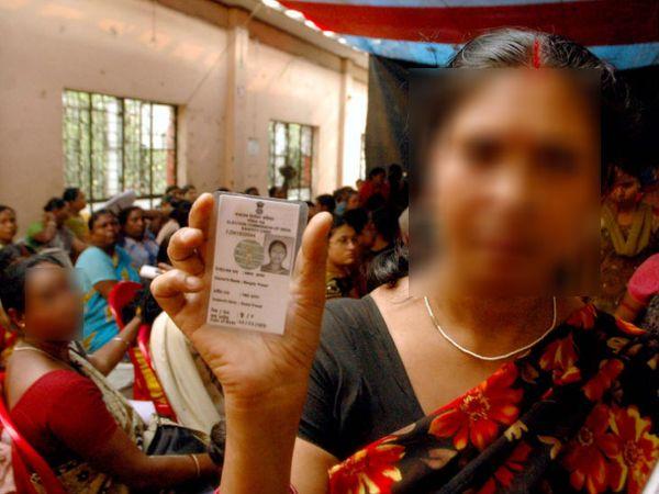 सोनागाछी की सेक्स वर्कर्स 2017 से पूजा का आयोजन भी करती रही हैं। लंबी अदालती लड़ाई के बाद उनको इसका अधिकार मिला था।