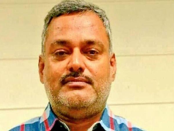 गैंगस्टर विकास दुबे 10 जुलाई में कानपुर के पास एनकाउंटर में मारा गया था। (फाइल फोटो) - Dainik Bhaskar