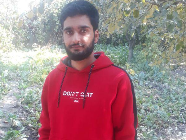 शोपियां के बोंगम के रहने वाले 24 साल के वकास इकबाल हाजी ने बिना किसी कोचिंग के नीट का एग्जाम क्लियर किया है।