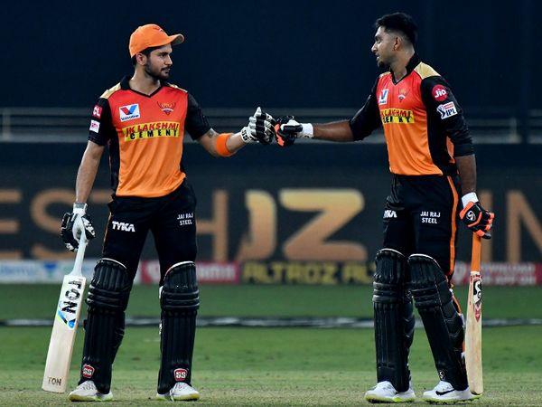 मनीष पांडे और विजय शंकर ने तीसरे विकेट के लिए 140 रन की नाबाद पार्टनरशिप की।