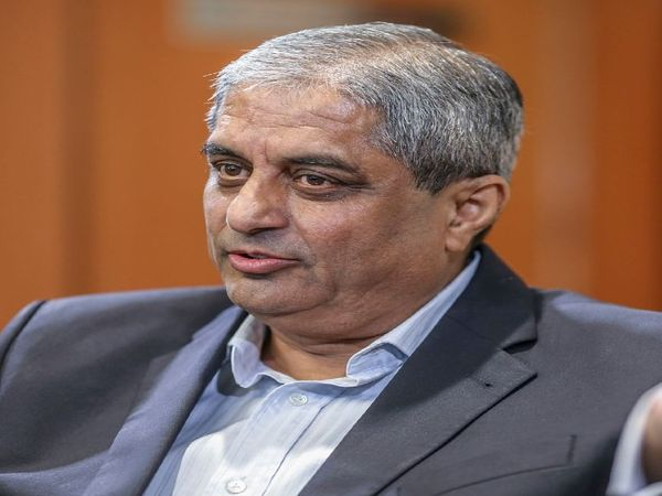 आदित्य पुरी कार्लाइल के लिए उभरते हुए बाजारों में नए अवसरों के बारे में गाइडेंस देंगे। साथ ही वे निवेश प्रोफेशनल्स और पोर्टफोलियो मैनेजमेंट को भी लेकर टीम को हाई क्वालिटी बिजनेस के बारे में बताएंगे - Dainik Bhaskar