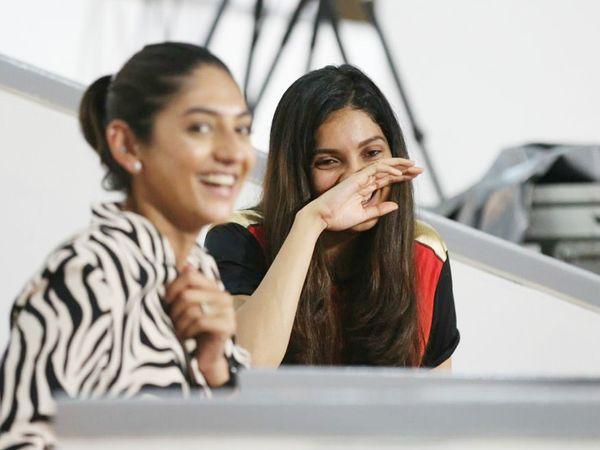 हैदराबाद के प्ले-ऑफ में पहुंचने के बाद उसके फैंस के चेहरों पर खुशी नजर आई।