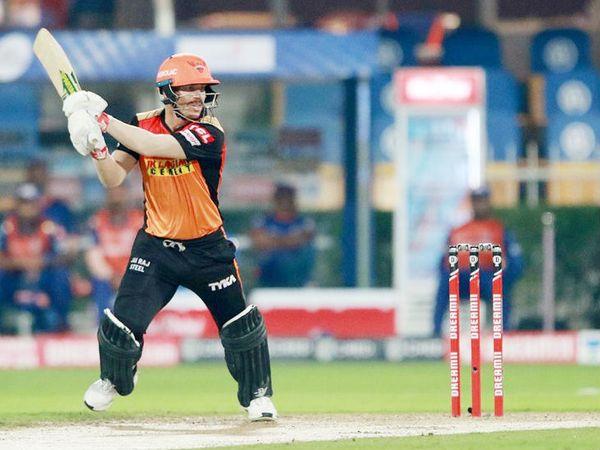 डेविड वॉर्नर ने IPL में रिकॉर्ड 48वीं फिफ्टी लगाई। वे लीग में सबसे ज्यादा फिफ्टी लगाने वाले बल्लेबाज हैं।