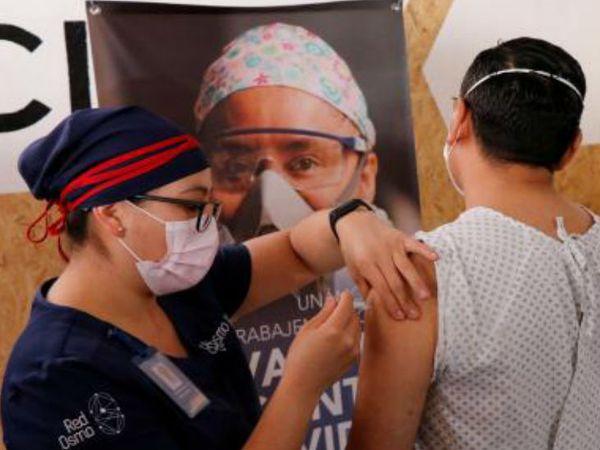 मैक्सिको में कोरोना की वैक्सीन का लेट स्टेज ट्रायल चल रहा है। यह वैक्सीन चीन की एक कंपनी ने बनाई है। - Dainik Bhaskar