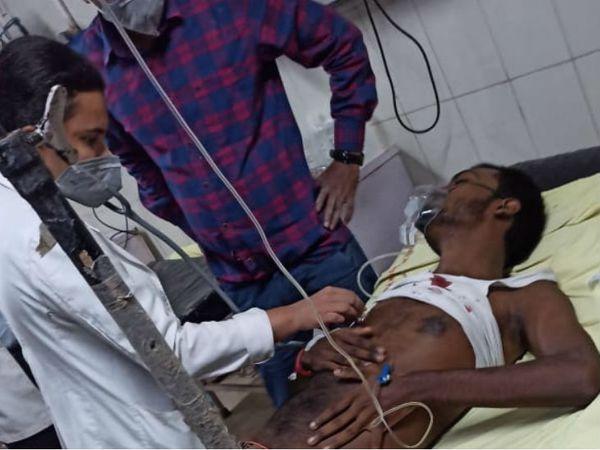 घायल लड़के का इलाज एसआरएन अस्पताल में चल रहा है। ऑपरेशन के बाद गोली निकाल दी गई है। अब उसकी हालत खतरे से बाहर है। - Dainik Bhaskar