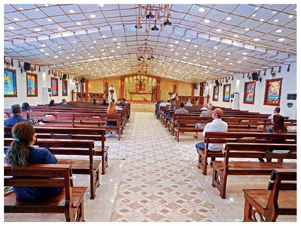 इस ऐतिहासिक चर्च को मोसुल के मुसलमानों ने संवारा है। - Dainik Bhaskar
