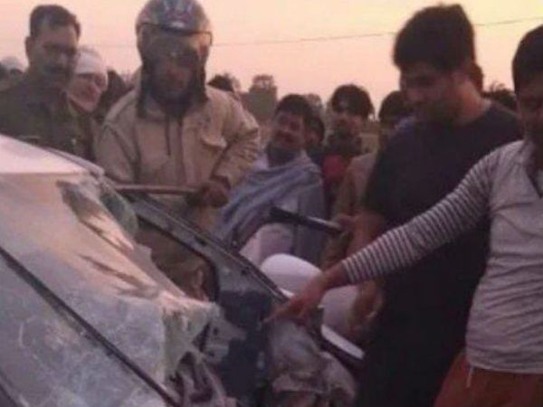 यह फोटो सिद्धार्थनगर की है। यहां हुए हादसे में छह लोगों की मौत हो गई। - Dainik Bhaskar