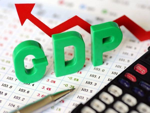 SBI ने एक इको-रैप रिपोर्ट जारी किया, जिसके लेखक बैंक के मुख्य आर्थिक सलाहकार सौम्यकांती दास हैं। इसमें कहा गया है कि Q2 में GDP ग्रोथ (-)10.7% कर रह सकती है। - Dainik Bhaskar
