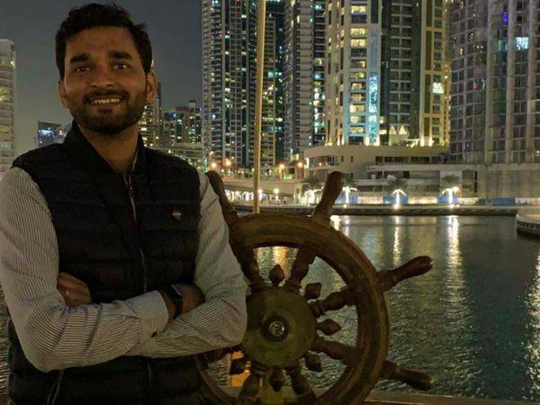 31 साल के ताहिक महमूद अहमदिया समुदाय से थे। वे ननकाना साहिब के एक अस्पताल में सर्जन थे। शुक्रवार शाम उनकी घर में हत्या कर दी गई। (फाइल) - Dainik Bhaskar