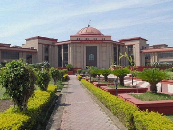 दस्तावेज जमा नहीं करने पर छत्तीसगढ़ मेडिकल सर्विसेस कारपोरेशन(CGMSC) ने दिल्ली की एक कंपनी को टेंडर से बाहर कर दिया। कंपनी की याचिका इस पर सुनवाई करते हुए हाईकोर्ट ने फैसला सुरक्षित रख लिया है। - Dainik Bhaskar