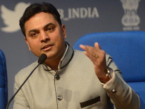 वित्त मंत्रालय के मुख्य आर्थिक सलाहकार कृष्णमूर्ति सुब्रमण्यन ने CII के एक वर्चुअल कार्यक्रम में कहा कि कोरोनावायरस महामारी के दौरान आयात में गिरावट के कारण यह करेंट अकाउंट सरप्लस दर्ज होगा - Money Bhaskar