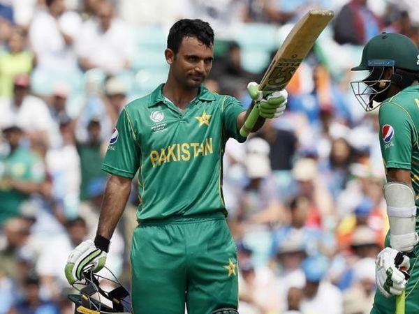 पाकिस्तान के स्पिनर फखर जमां को फीवर है। इस वजह से न्यूजीलैंड दौरे से टीम से हटा दिया गया है। - Dainik Bhaskar