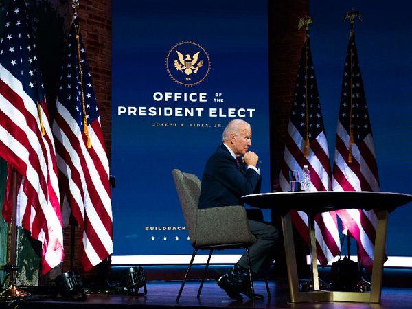 चुनाव जीतने के बाद अब औपचारिक तौर पर बाइडेन को व्हाइट हाउस से तमाम जानकारी मिल सकेगी। डोनाल्ड ट्रम्प ने सत्ता हस्तांतरण करने वाली एजेंसी को पावर ट्रांजिशन शुरू करने की मंजूरी देने का ऐलान किया है। - Dainik Bhaskar