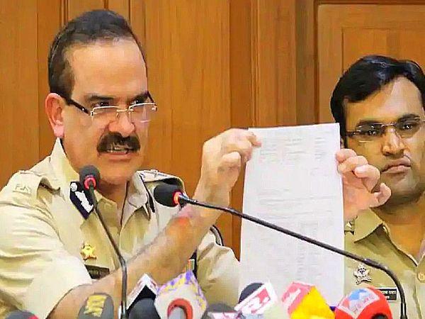 मुंबई पुलिस ने पिछले महीने TRP घोटाला का खुलासा किया था। कुछ चैनलों पर आरोप हैं कि उन्होंने दर्शकों को पैसे देकर TRP हासिल की। - Dainik Bhaskar