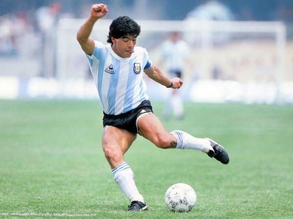 मैराडोना ने इंटरनेशनल करियर में 91 मैच खेले, जिसमें 34 गोल किए।