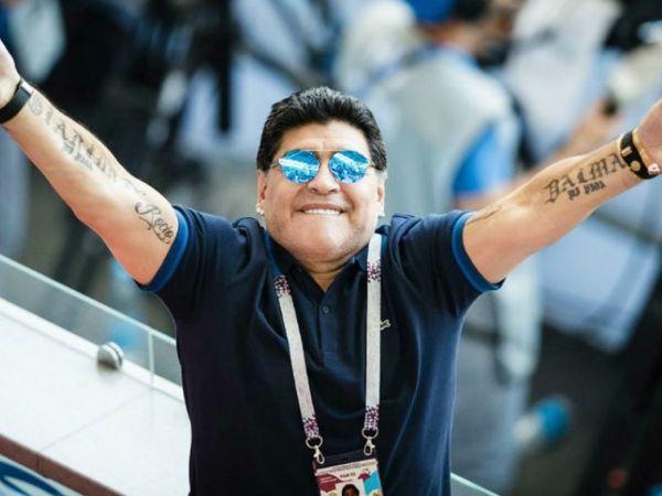 फुटबॉल जगत के महान खिलाड़ियों में से एक डिएगो मैराडोना का 60 साल की उम्र में हार्ट अटैक से निधन हो गया। (फाइल फोटो) - Dainik Bhaskar
