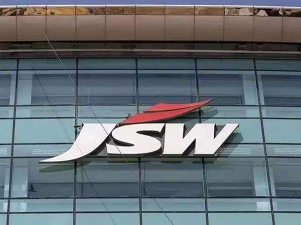 जेएसडब्ल्यू सीमेंट के मैनेजिंग डायरेक्टर पार्थ जिंदल ने कहा कि आईपीओ दिसंबर 2022 के आसपास आ सकता है। - Money Bhaskar