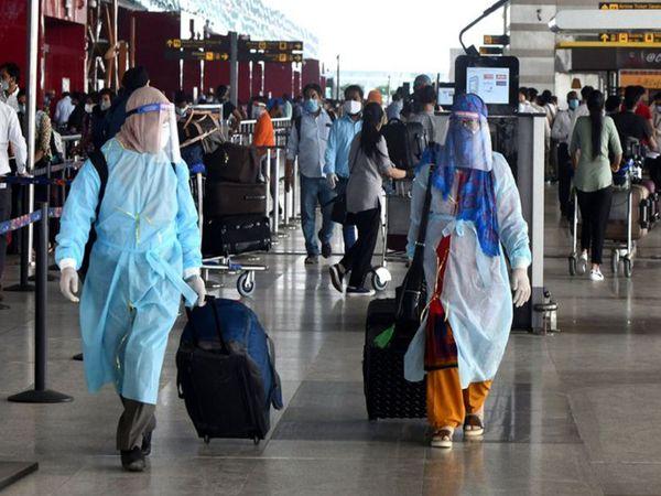 पहली तिमाही में रेलवे के पैसेंजर किलोमीटर्स में महज 2% गिरावट रही थी, जबकि एयरपोर्ट्स के पैसेंजर हैंडलिंग 1.3% बढ़ा था - Money Bhaskar