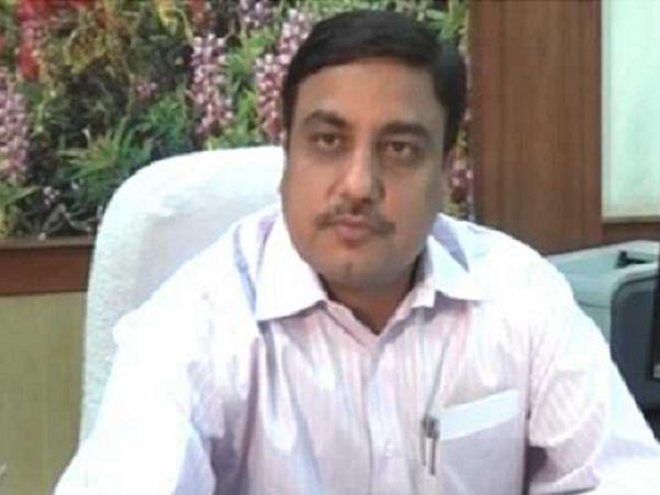 भ्रष्टाचार के मामले में पकड़े गए बर्खास्त IAS और छत्तीसगढ़ के पूर्व मुख्य सचिव बाबूलाल अग्रवाल की 27.86 करोड़ रुपए की संपत्ति को प्रवर्तन निदेशालय (ED) ने अटैच कर दिया है। -फाइल फोटो। - Dainik Bhaskar