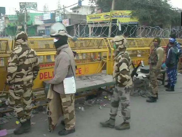 किसान आंदोलन को देखते हुए दिल्ली-हरियाणा बॉर्डर पर सिक्योरिटी फोर्स तैनात है।