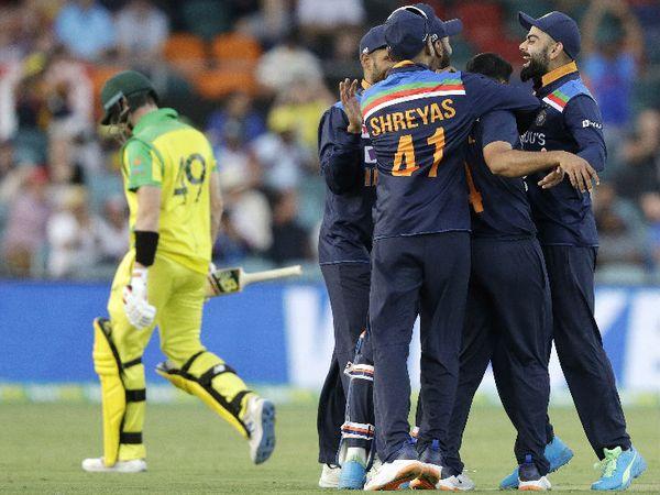 सीरीज में 2 शतक लगा चुके स्टीव स्मिथ को जल्दी आउट कर शार्दूल ठाकुर ने टीम इंडिया को फ्रंटफुट पर ला दिया।