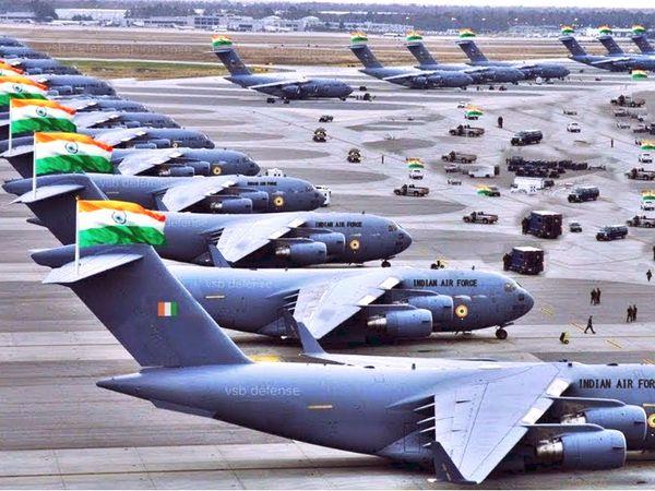 28 हजार कोल्ड चेन सेंटरों तक ज्यादा भार ले जाने में सक्षम C-17 ग्लोबमास्टर, C-136J सुपर हरक्यूलिस और IL-76 तैनात होंगे। (फाइल फोटो) - Dainik Bhaskar