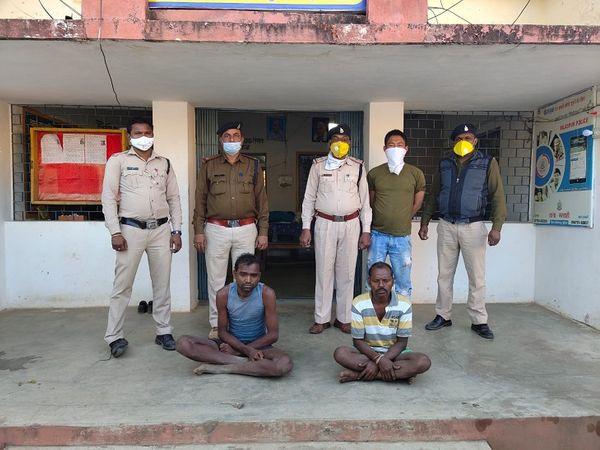 छत्तीसगढ़ के गौरला-पेंड्रा-मरवाही जिले में एक युवक ने औलाद के लिए दूसरी शादी करने पर अपनी सौतेली मां की हत्या कर दी। पुलिस ने आरोपी और उसके सहयोगी को गिरफ्तार कर लिया है। - Dainik Bhaskar