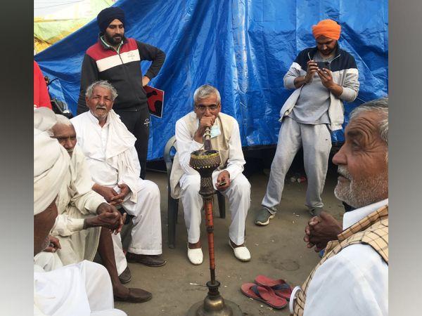 हरियाणा से आए एक किसान कहते हैं, 'सरकार अगर पीछे हटती है तो इसमें उसकी भलाई ज्यादा है, हमने सरकार को विचार करने के लिए इतना टाइम दे दिया है, और भी दे देंगे।