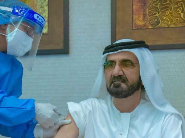 UAE  के प्रधानमंत्री शेख मोहम्मद बिन राशिद साइनोफर्म वैक्सीन का डोज ले चुके हैं। - Dainik Bhaskar