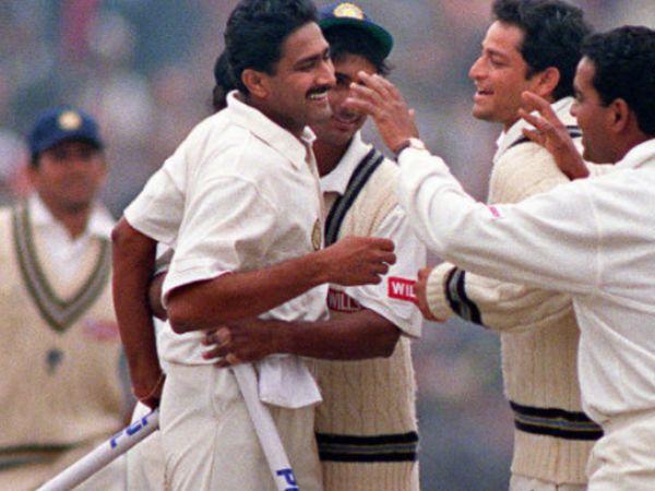 अनिल कुंबले ने टेस्ट करियर में 619 विकेट लिए, जबकि वनडे में उन्होंने 337 और टी-20 में 45 विकेट लिए हैं।