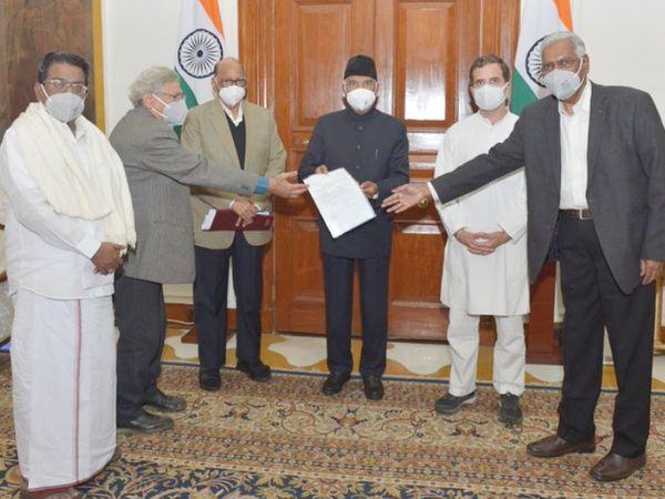 राष्ट्रवादी कांग्रेस पार्टी (राकांपा) प्रमुख शरद पवार समेत विपक्ष के 5 नेता राष्ट्रपति रामनाथ कोविंद से मिले।