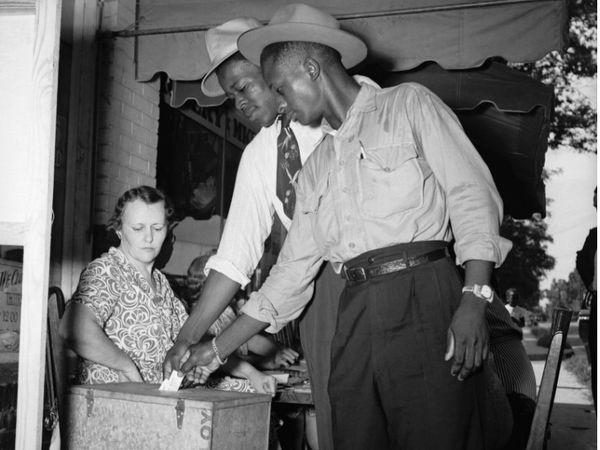 फोटो 1946 की है। तब चुनाव हुए थे और इसके बाद इलेक्टर्स ने वोटिंग की थी।