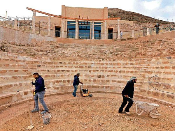 हेरोड पैलेस के एक हिस्से में 300 सीटों वाला ओपन थियेटर बन रहा है। राजा हेरोड यहां प्रजा के साथ चर्चा करते थे।