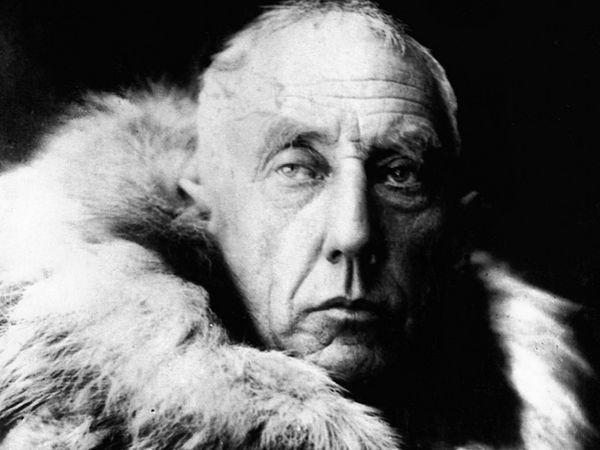 रोआल्ड एमंडसन अंटार्कटिका (साउथ पोल) जाने वाले पहले व्यक्ति थे। वो आर्कटिक (नॉर्थ पोल) में ही लापता हो गए।