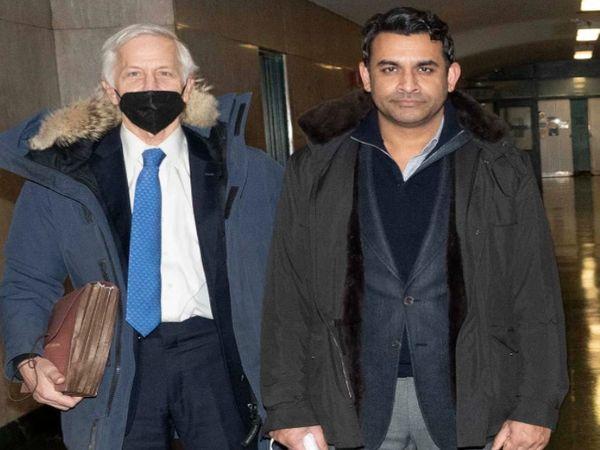 अपने वकील रोजर बर्नस्टेन के साथ नेहल मोदी (दाएं)। - Money Bhaskar