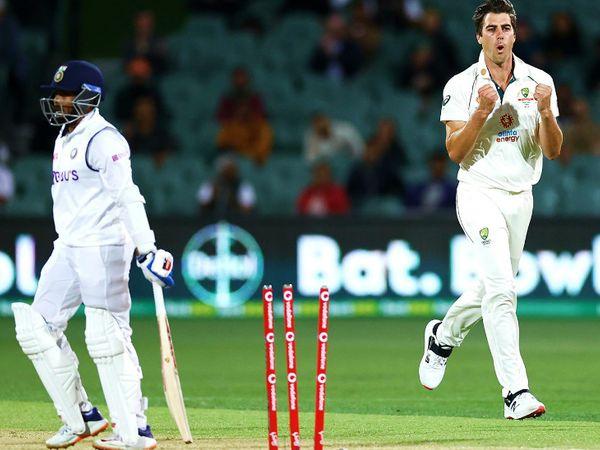 एडिलेड में खेले गए पहले टेस्ट में पृथ्वी शॉ दूसरी पारी में 4 रन बना सके थे। उन्हें पैट कमिंस ने बोल्ड किया था। पहली पारी में वे शून्य पर आउट हुए थे। - Dainik Bhaskar